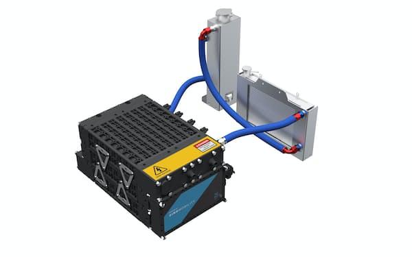 シン・モビリティーが強みを持つ液浸バッテリー。液体を冷却するラジエーターと液体を循環させるポンプが付く(イメージ)