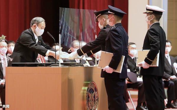 防衛大の卒業式典=3月、神奈川県横須賀市