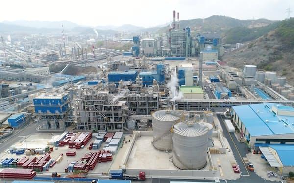 三井化学は韓国でポリウレタン原料を増産する(韓国・麗水市にある錦湖三井化学の工場)