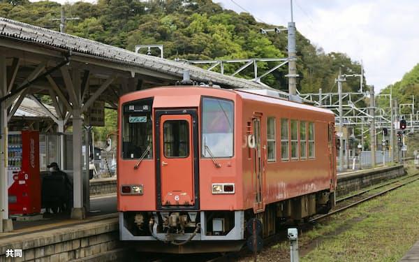 JR木次線の宍道駅(18日、松江市)=共同