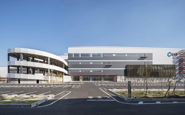 SBロジスティクスが運営する市川ディストリビューションセンター(千葉県市川市)に米バークシャーグレイのロボットを導入する