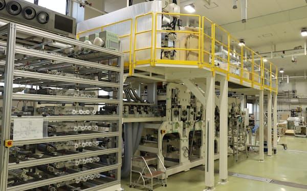 工程を簡素化し、高速生産に対応する新装置(福井市)