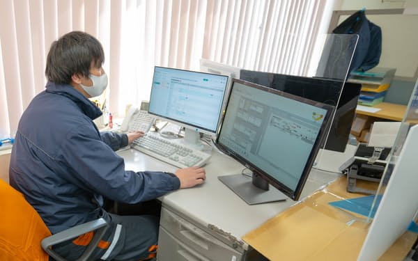 ハコブは企業間物流管理システムを手がけトラックの入出荷や配送情報を管理する