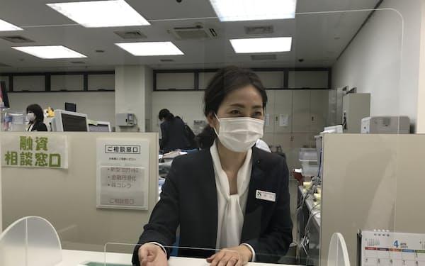 3月はゼロゼロ融資の相談が急増した(名古屋銀行今池支店)