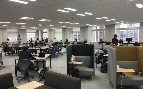 東京都庁のフリーアドレス制のフロア