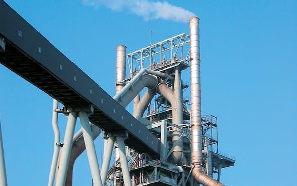 今期は業績急回復が見込まれる(日本製鉄の東日本製鉄所鹿島地区の高炉)