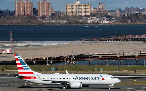 アメリカン航空の機体(20年12月、ニューヨーク)=ロイター