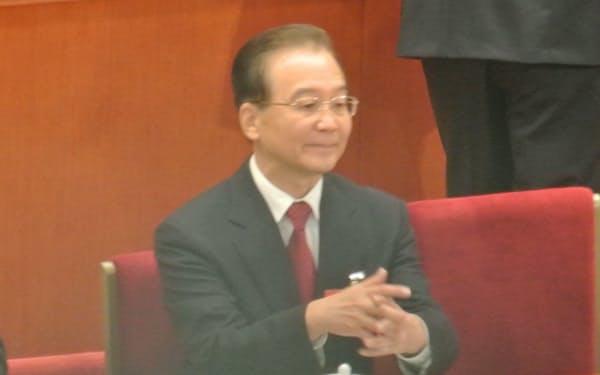 共産党大会に出席した当時の温家宝首相(2012年11月、北京の人民大会堂)
