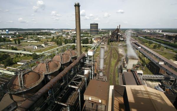 旧東ドイツのアイゼンヒュッテンシュタット製鉄所にも水素製鉄が導入される(09年)=ロイター