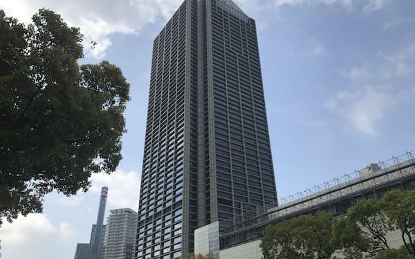 神戸市は病床の逼迫を受け、コロナ患者宅での積極治療に乗り出した(写真は神戸市役所)