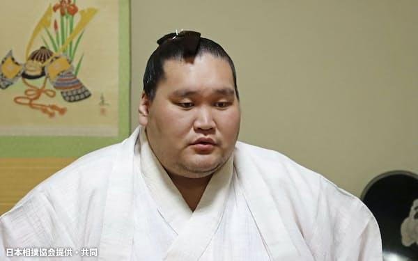 オンラインで記者会見する照ノ富士(26日)=日本相撲協会提供