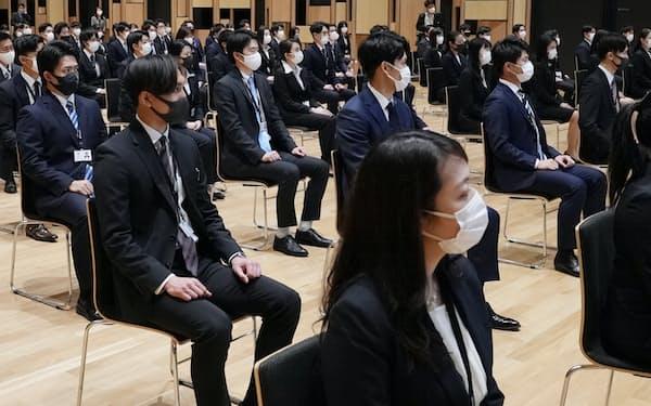 三井物産は若手が早期に活躍できる制度を導入した(東京都千代田区)
