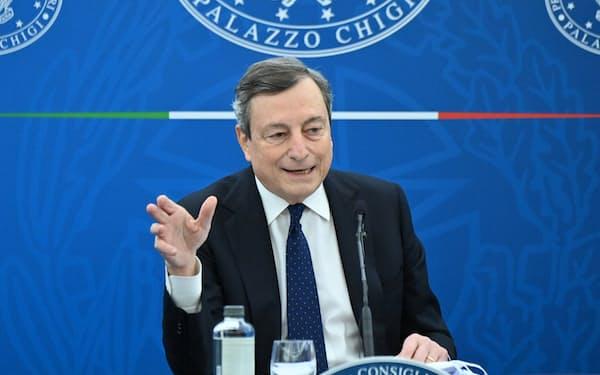 ECB総裁を務めたドラギ首相はEUからの信認が厚い =ロイター