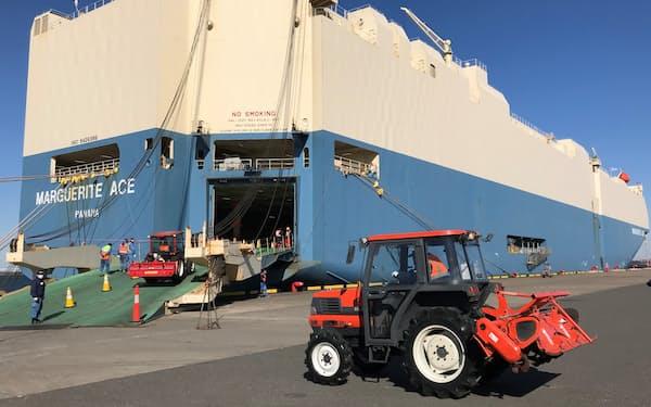 商船三井の自動車専用船で中古農機を輸出する