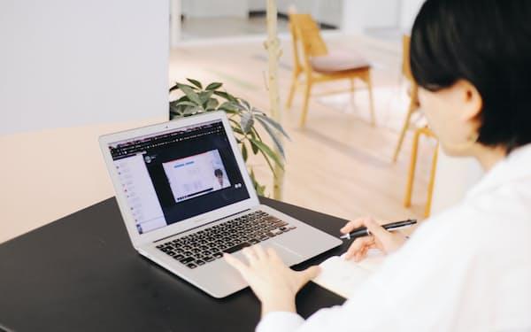 プログラミングなどに関わるオンライン学習動画を提供