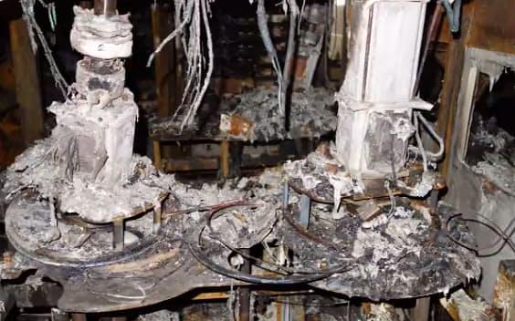 ルネサスエレクトロニクスの半導体工場で起きた火災現場の様子(同社のオンライン会見資料より)