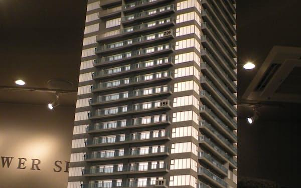 地上30階建てで総戸数は220戸。新札幌駅前で進む大型再開発の一角だ
