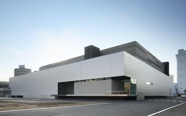 2018年に稼働したiPS細胞由来の細胞医薬品の量産施設(大阪府吹田市)