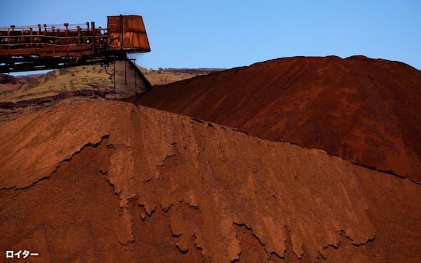 豪州など主産国の供給懸念が相場を押し上げている(豪州西部の鉱山=ロイター)