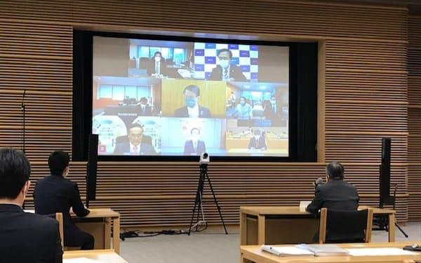 全国知事会の飯泉会長らはオンラインで田村厚労相と会談した(東京都千代田区の都道府県会館)