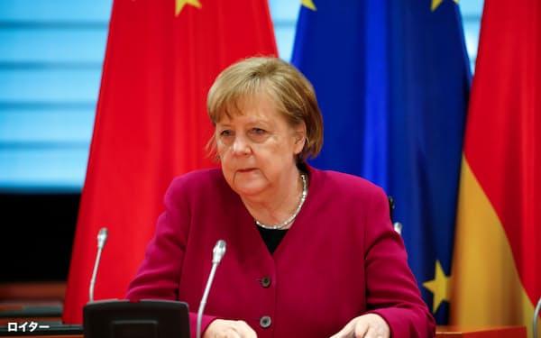 中国との政府間協議に臨むドイツのメルケル首相=ロイター