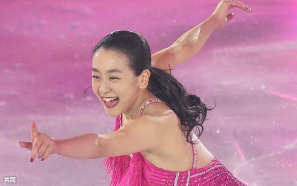 サンクスツアーの最終公演で演技する浅田真央さん=共同