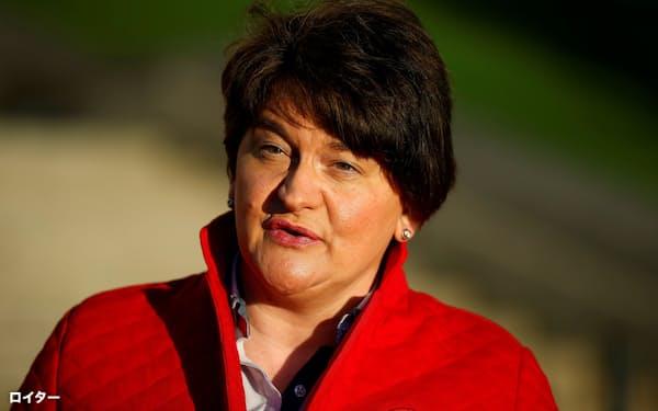親英国強硬派の地域政党DUP内ではフォスター氏に不信任案を出す動きもあった(20年12月、北アイルランドのベルファストにて)=ロイター