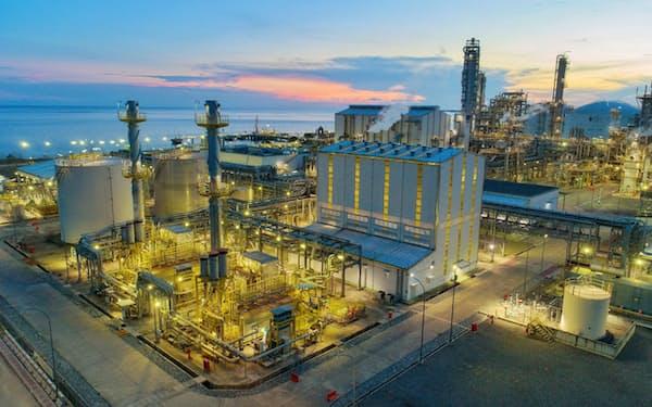 インドネシアのアンモニア製造工場=共同