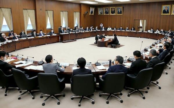 国民投票法改正案を巡り開かれた衆院憲法審査会(22日)