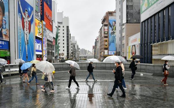 4月以降も経済の持ち直しは鈍い(29日午後、大阪市中央区)
