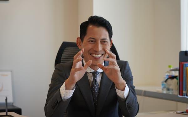かぎもと・ただひさ 2002年(平成14年)九州大医卒。眼科医を経て05年にアキュメンバイオファーマ(現アキュメン)設立。11年日本網膜研究所(現ヘリオス)設立。12年から社長。
