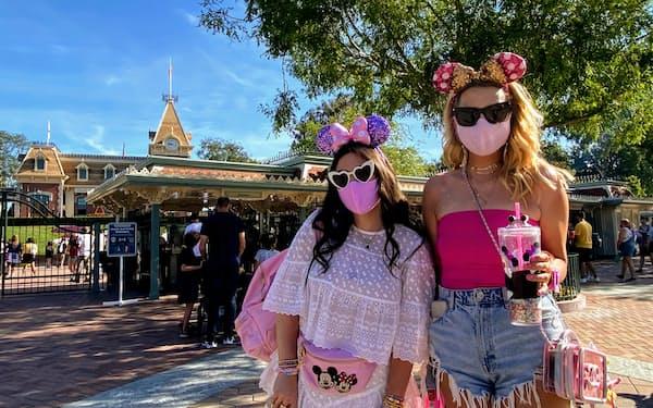 カリフォルニア州のディズニーランドは30日、2020年3月以来、13カ月ぶりに一般客を迎えた