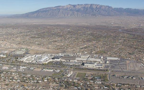 ニューメキシコ州リオランチョにあるインテルの工場