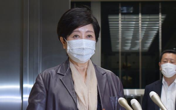 小池知事は5日、都内の変異ウイルスの感染拡大などを受け「厳しい状態が続いている」と危機感をあらわにした
