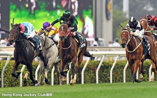 クイーンエリザベスⅡ世カップで優勝したラヴズオンリーユー=Hong Kong Jockey Club提供