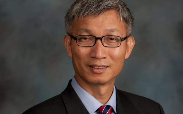Minxin Pei 米ハーバード大博士(政治学)。研究地域は中国など環太平洋で、専門は比較政治学や米中、米アジア関係。