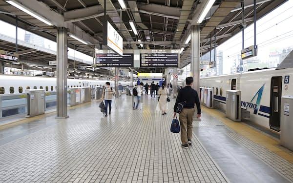 利用客が少なかったJR名古屋駅の東海道新幹線ホーム(5日)