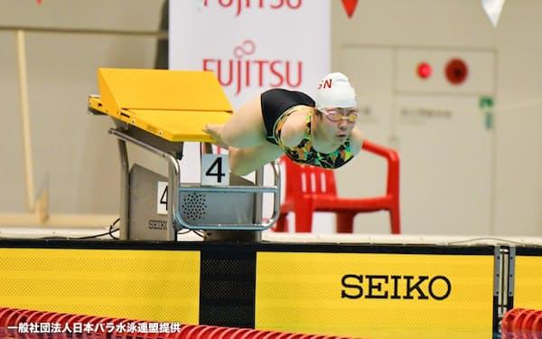14歳中学生の山田は昨年から本格的に背泳ぎに転向し頭角を現した=写真は自由形の飛び込み、一般社団法人日本パラ水泳連盟提供