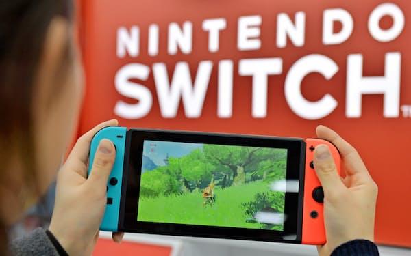 任天堂「スイッチ」は発売5年目で累計販売台数が1億台を突破する見通しで、「Wii」超えが射程圏に入った。