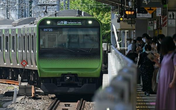 JR東日本や西武鉄道は減便を一部で取りやめた