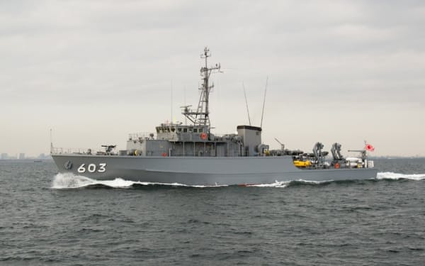 掃海艇「たかしま」(海上自衛隊ホームページから)