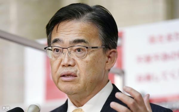 7日夜、愛知県の緊急事態宣言追加について県庁で記者会見する大村秀章知事