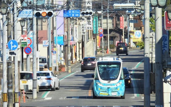 ソフトバンクの位置情報サービスは自動運転バスにも使われる(茨城県境町)