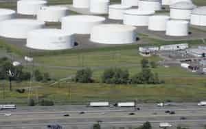 コロニアル・パイプライン社の石油貯蔵施設(ニュージャージー州)=AP