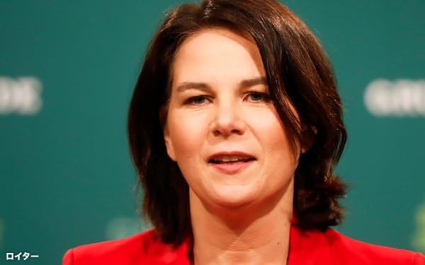 政党支持率で1位となった緑の党のベーアボック党首=ロイター