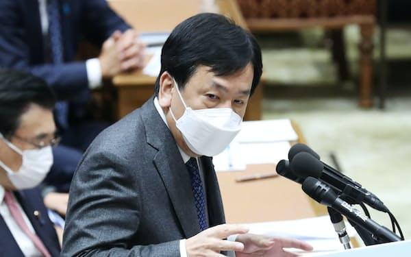 衆院予算委で菅首相に質問する立憲民主党の枝野代表(10日午前)