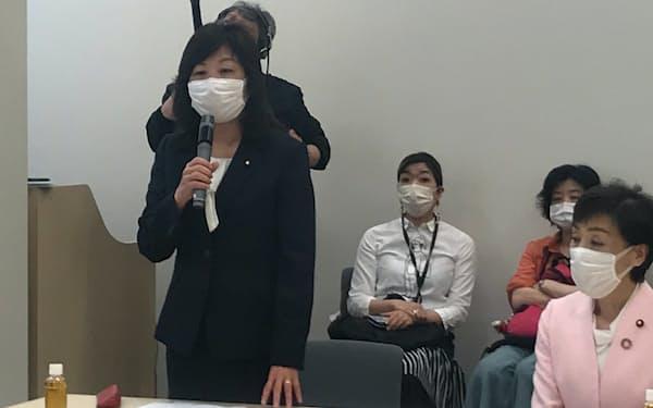 勉強会に参加した自民党の野田聖子幹事長代行