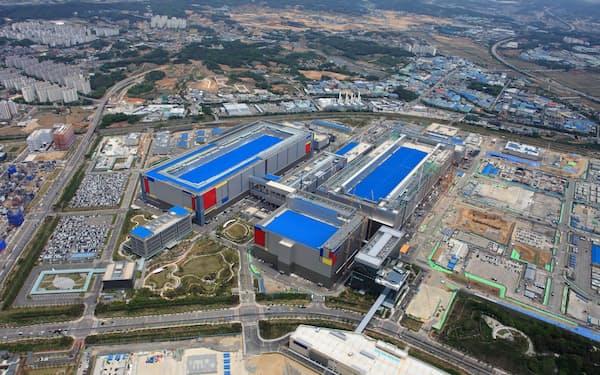 サムスンの平沢工場では2棟が稼働中で、多くの拡張余地を残している(20年5月)