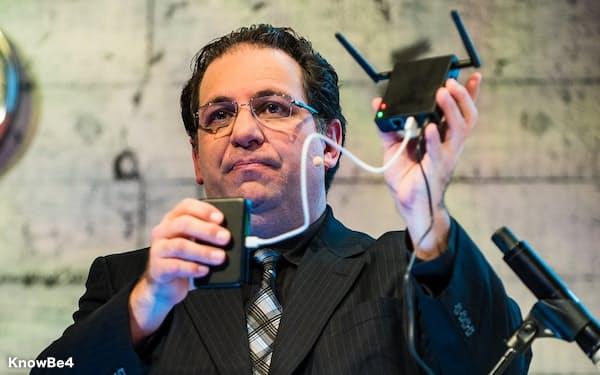 ケビン・ミトニック氏はサイバー攻撃の手口が巧妙化していることに警鐘を鳴らす
