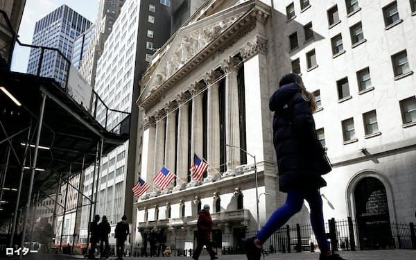 株価急落でインフレ警戒論への注目が高まる=ロイター
